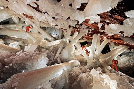 Deep underneath Mexico's Chihuahua Desert (1000 ft approximately) lay a giant cave filled with hidden gems - razor sharp naturally formed crystals. Known as the Crystal Cave of Giants, this chamber lies in the Naica Mine and was discovered by two brothers drilling in the mine for, of course, crystals.