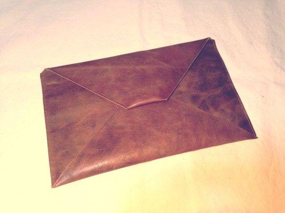 Cow leather Letter Clutch BagBrand : Hand Made by AvonleaSize : W30cm×H19...|ハンドメイド、手作り、手仕事品の通販・販売・購入ならCreema。