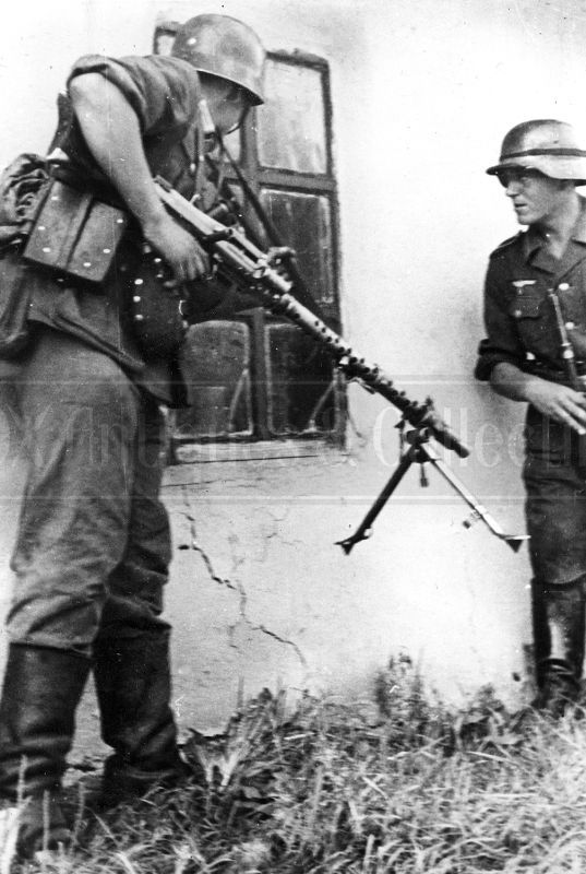 WWII German soldiers MG 34 Eastern Front 1941 WW2 photo photograph 4x6