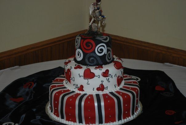 Red and Black Wedding Cakes | red wedding ideas red and black diamond graduation cake outta the oven ...
