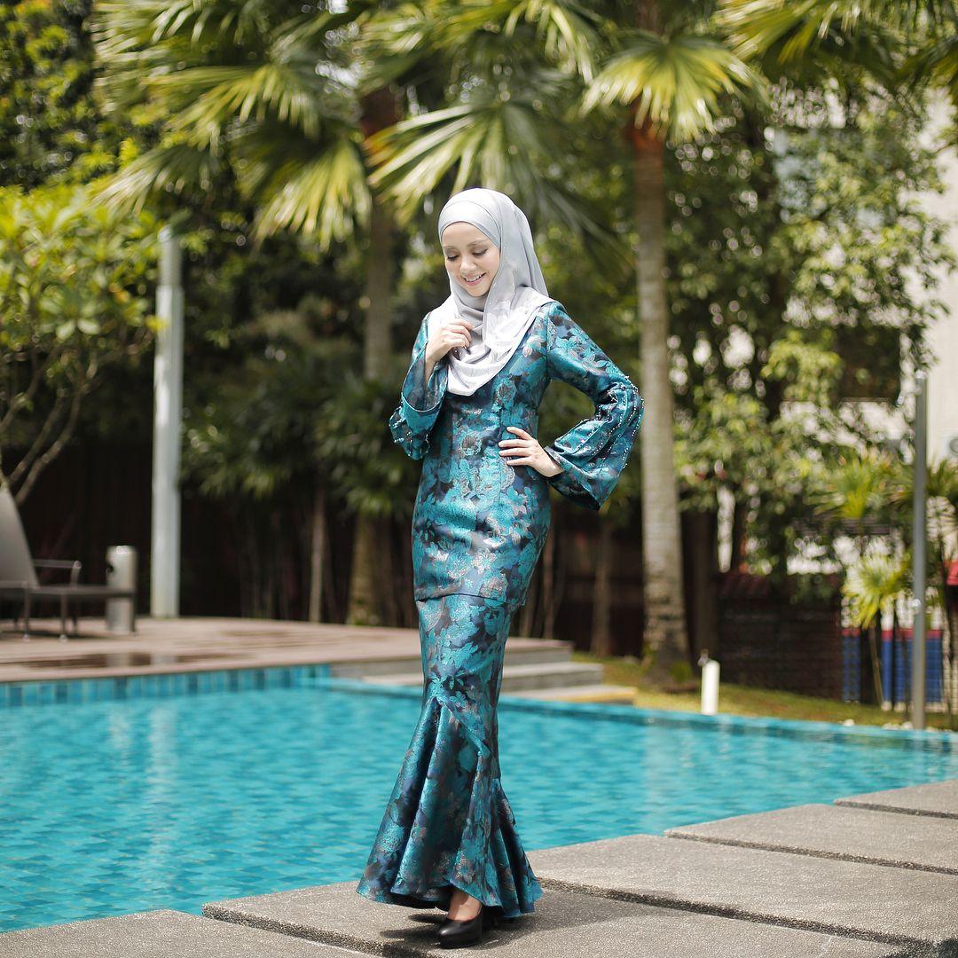 Imej Mungkin Mengandungi 1 Orang Mira Filzah Girl Hijab Mira Filzah Belanja
