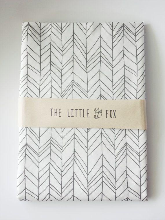 Stokke Mini Cot Crib Sheet In Charcoal Grey Feather Crib