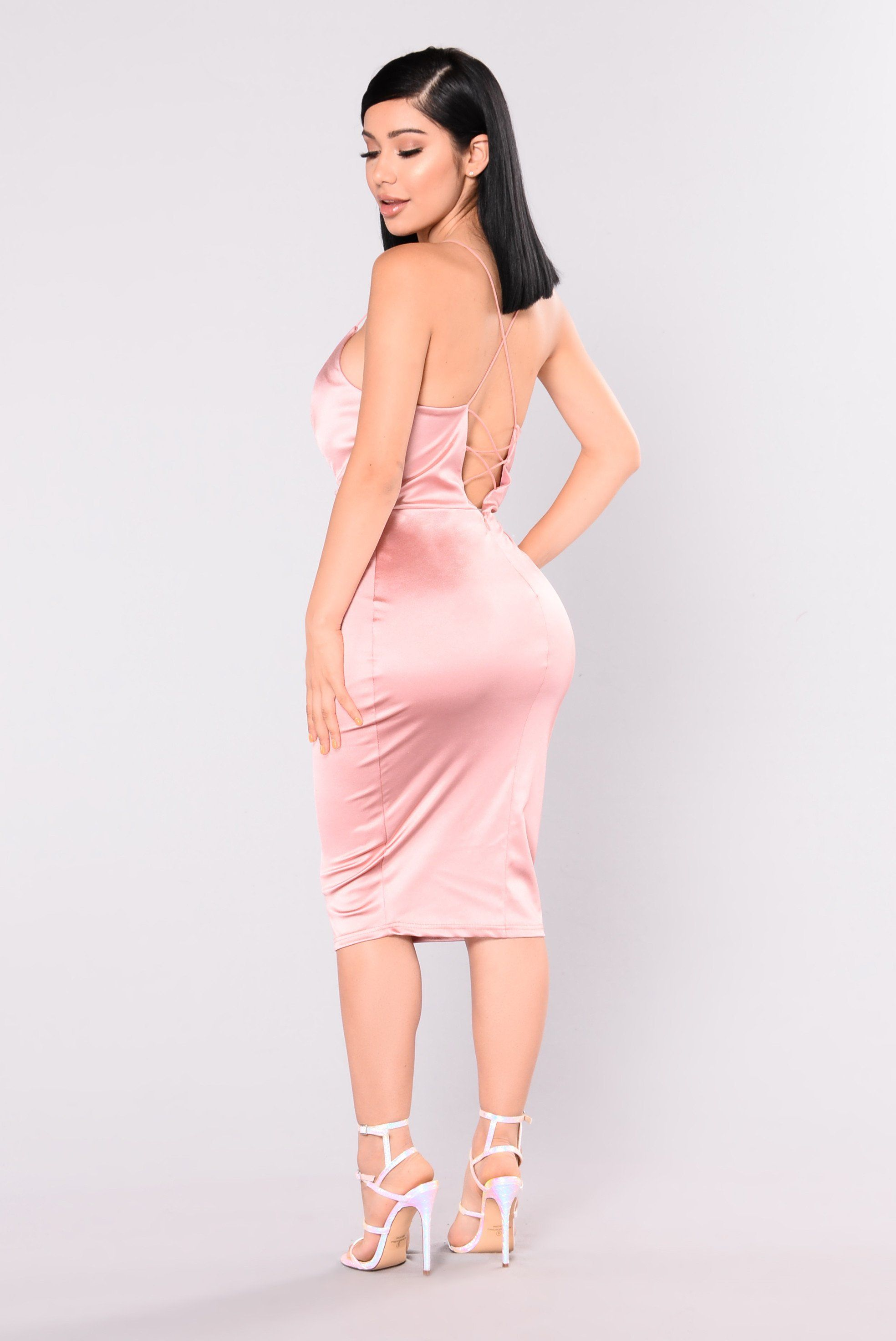 Starla Dress - Blush | Pinterest | Curvas, Vestidos ceñidos y ...