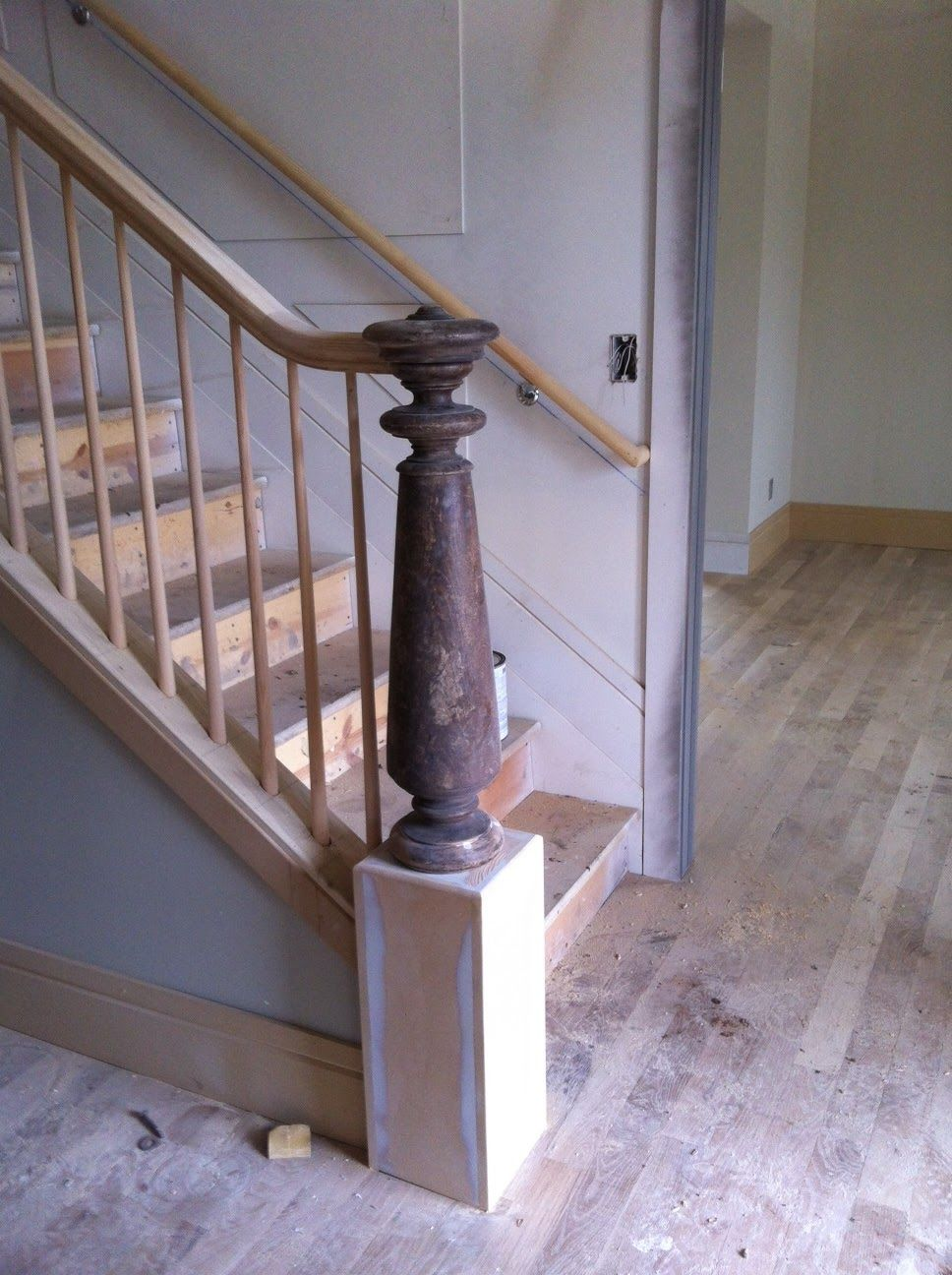 Colonial Newel Post Painted Black And Then Banister Is White Stair Railing Design Railing Design Stair Posts