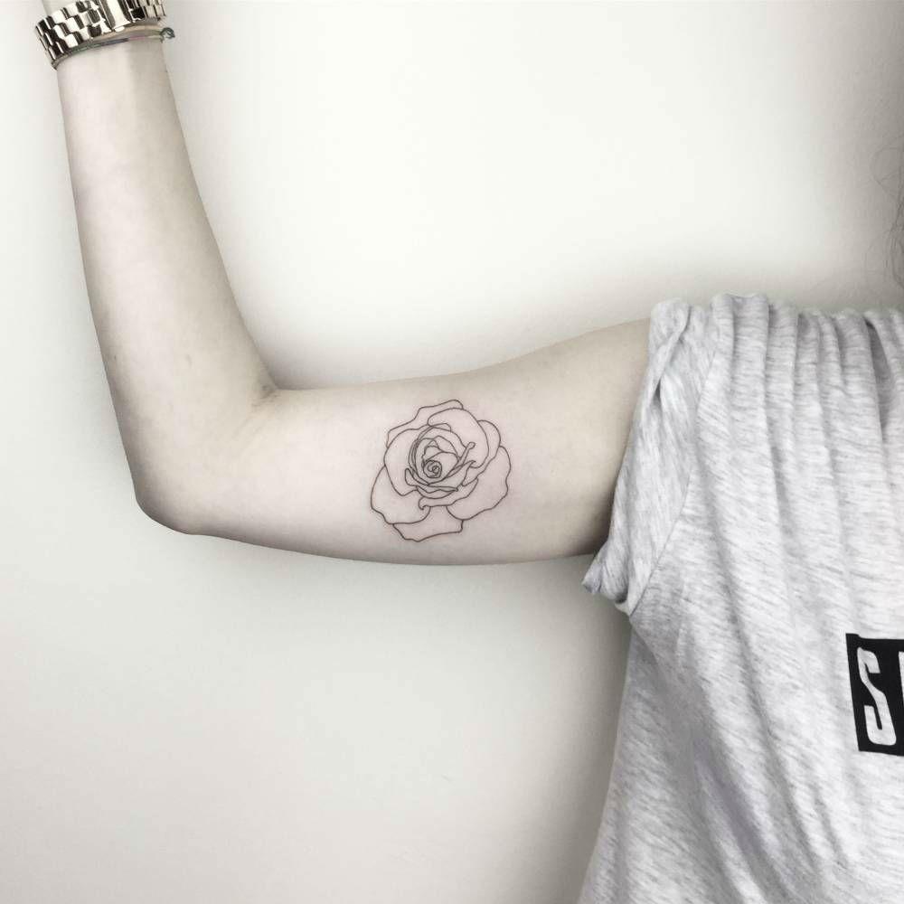 Tatouage Interieur Biceps avec 25 cool inner bicep tattoo ideas   biceps, frais et tatouages