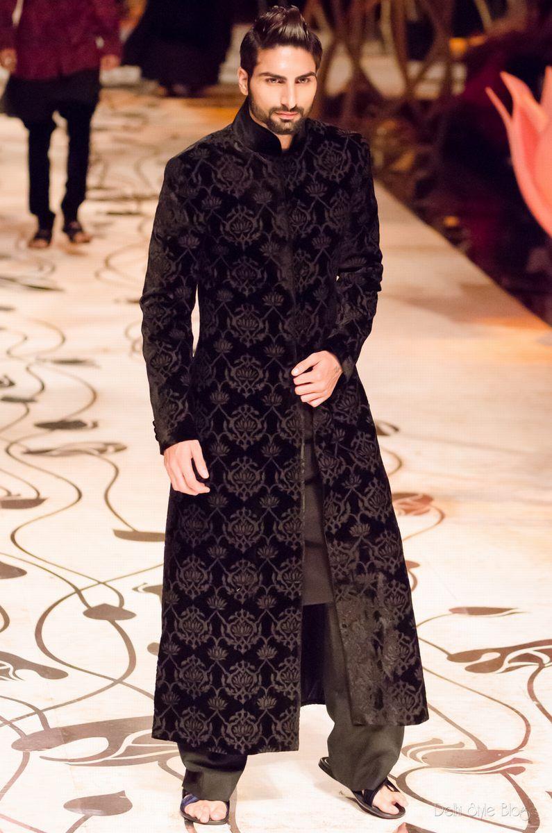 Fashion Indian designer rohit bal bridal wear advise dress in winter in 2019