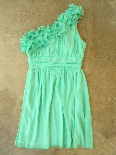 Love one-shoulder dresses!