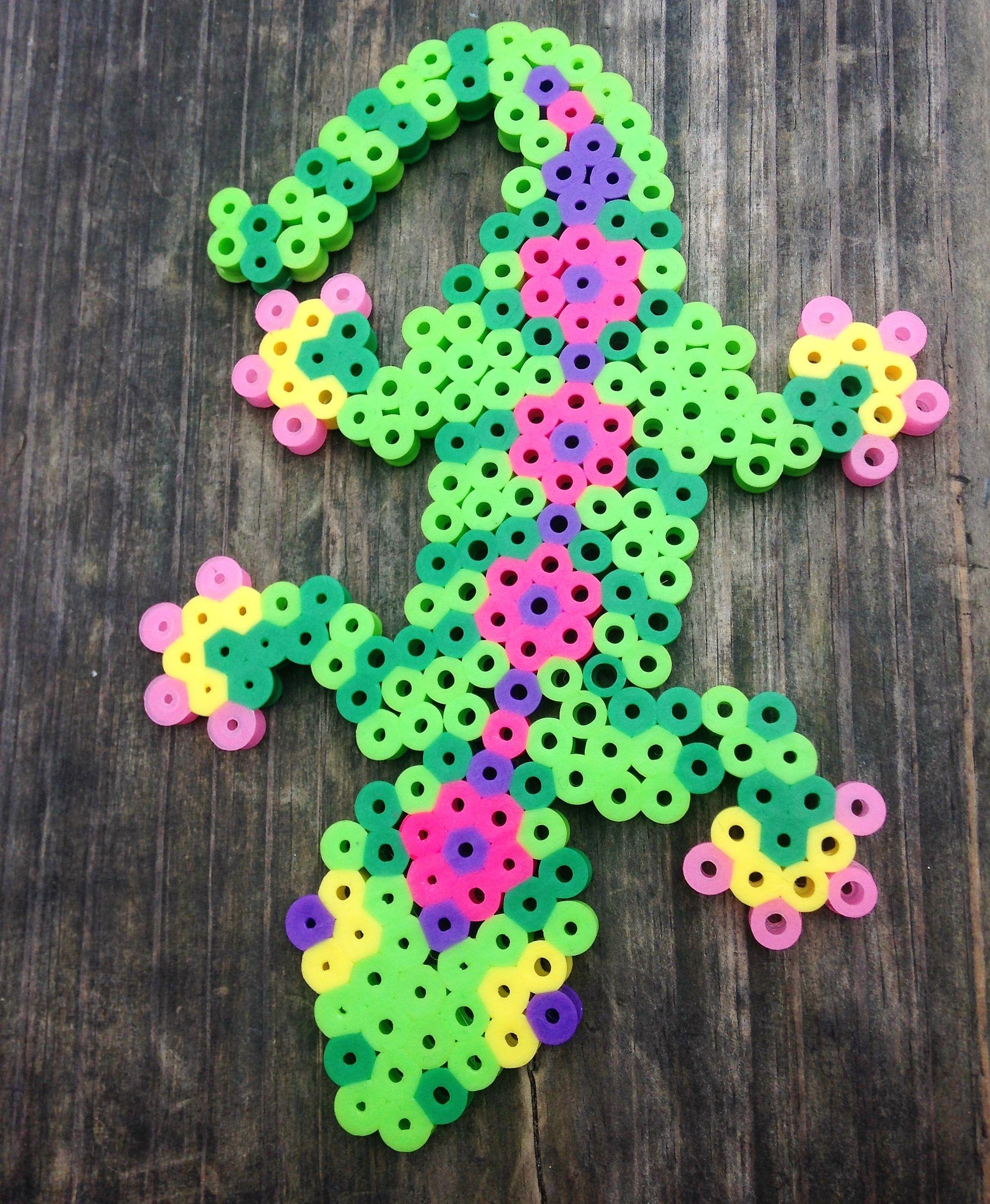 perler bead lizard [ 2291 x 2786 Pixel ]