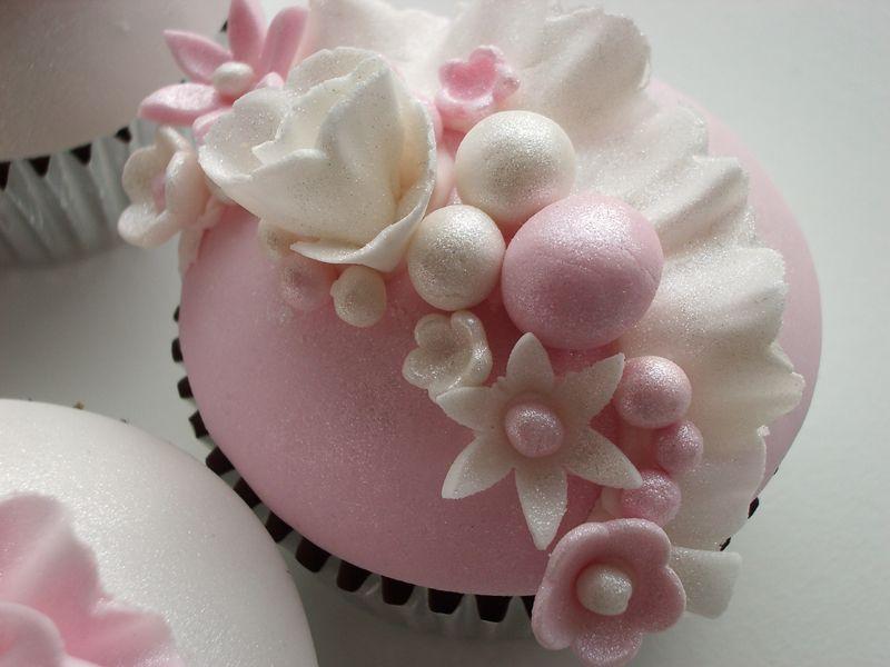 Vintage ruffles cupcakes