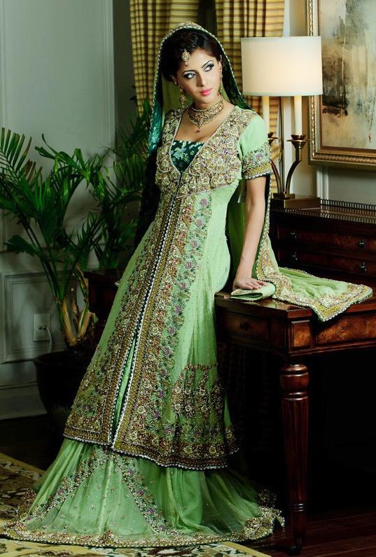 Pakistani Designer Wedding Gowns 1 537x796