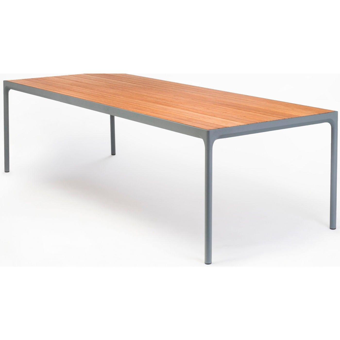 Houe Four Tisch