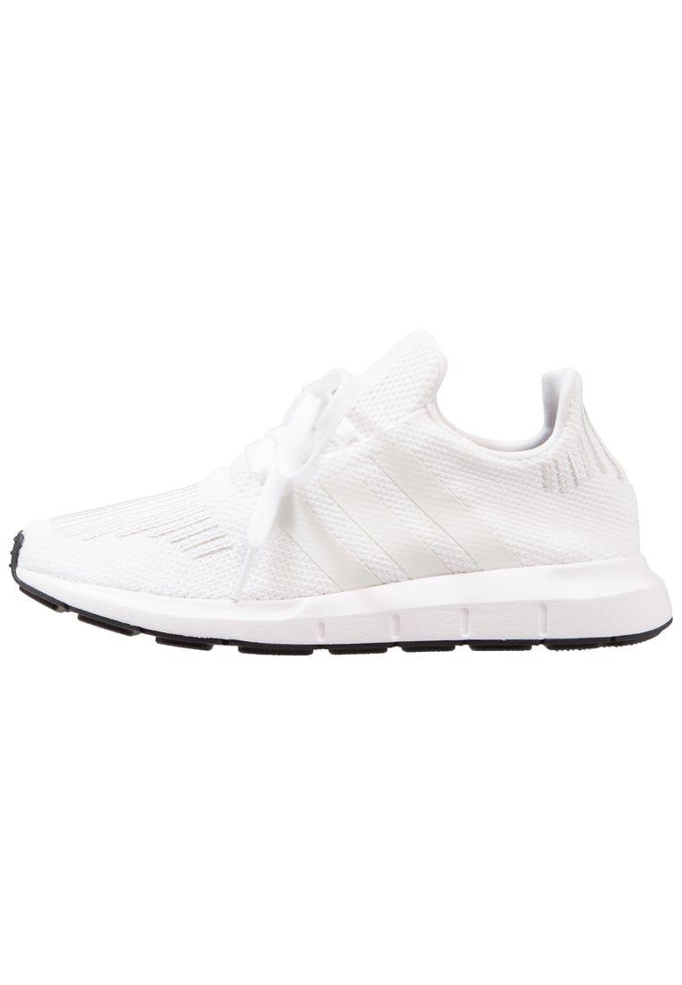 check out 8fae4 f7dce ¡Consigue este tipo de zapatillas básicas de Adidas Originals ahora! Haz  clic para ver