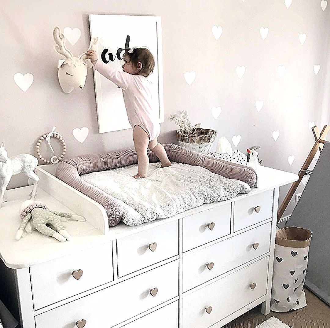 Wickelkommode Diy Ikea Hemnes Hack Wickelaufsatz Babyzimmer Madchenzimmer Altrosa Vintage Wandsticker In 2021 Baby Girl Room Baby Room Decor Changing Table Diy Ikea