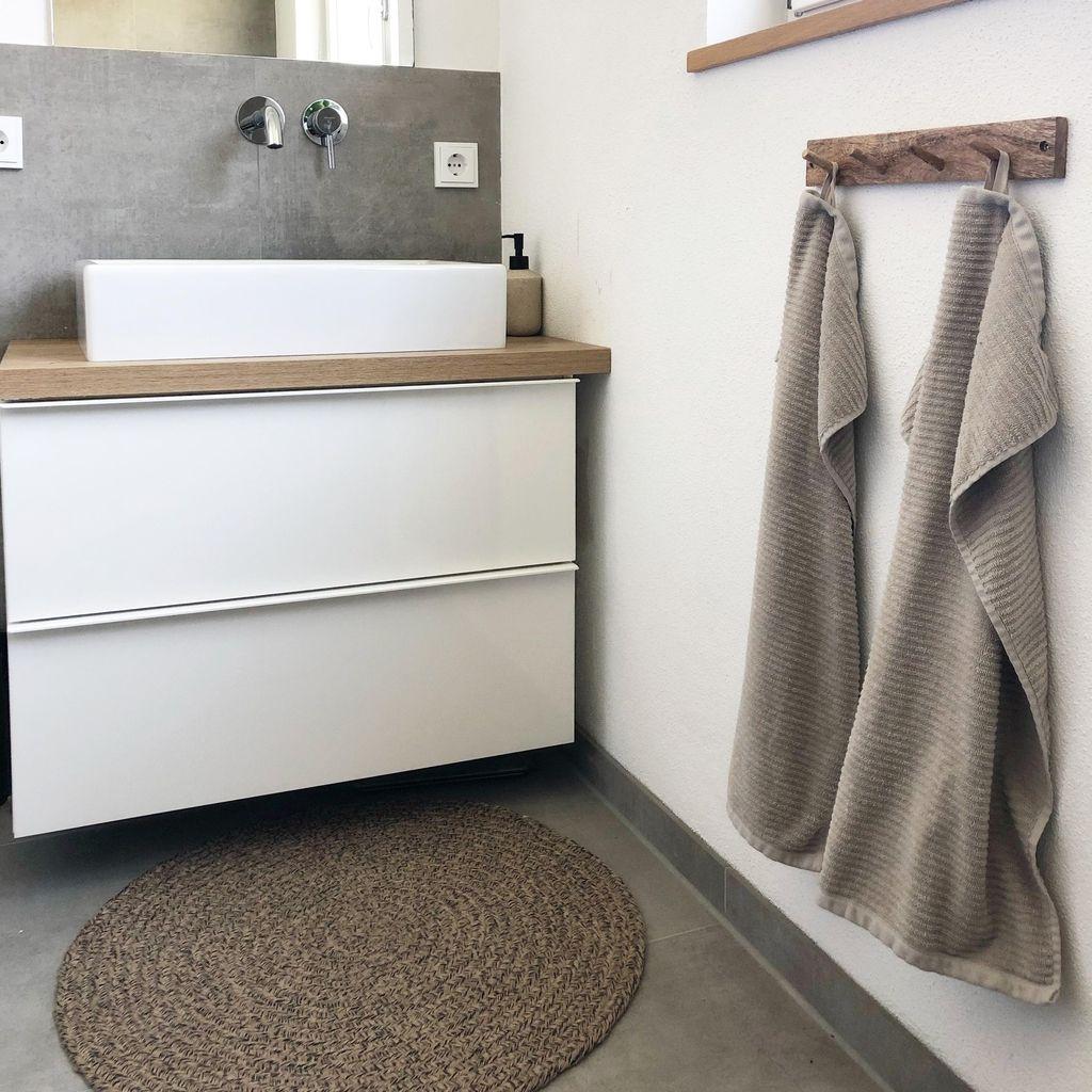 Badezimmer Bad Kleinesbad Waschbecken Waschbeckenunterschrank Badteppich Handtuch Betonoptik Fliese Badezimmer Innenausstattung Zuhause Diy Badezimmer