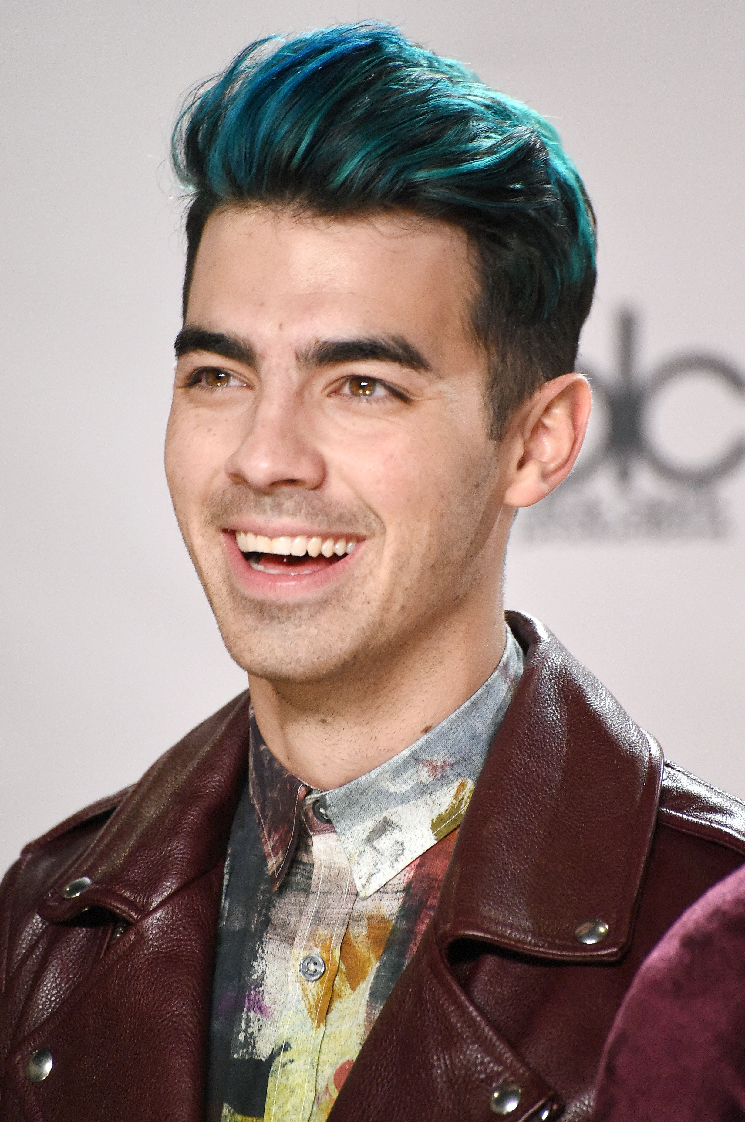 Joe Jonas S Blue Hair Just Keeps Getting Bluer With Images