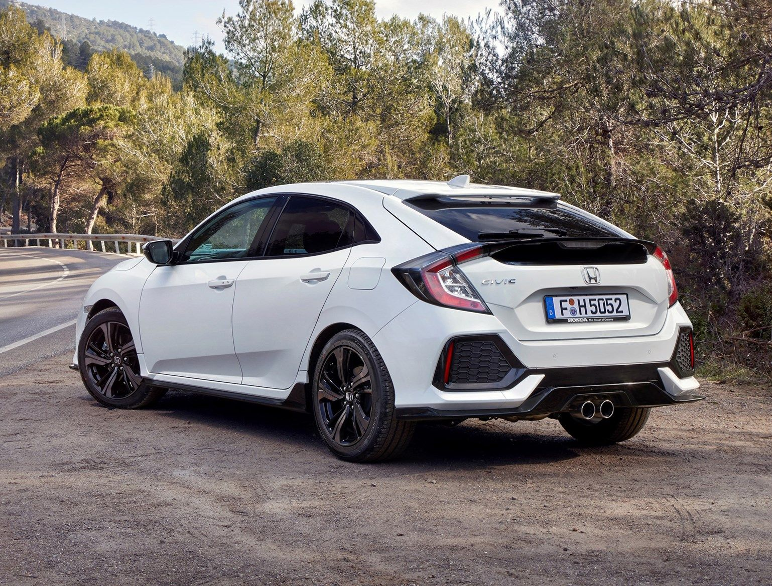 Honda Civic Hatchback 2017 Features Equipment And Accessories Parkers Civic Hatchback Honda Civic Hatchback Honda Civic