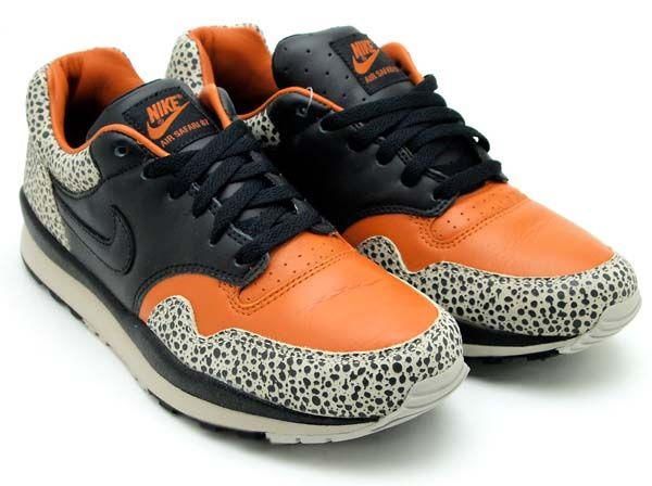 NIKE NIKE AIR SAFARI QS TAN BEIGE BLACK CHARCOAL 532304