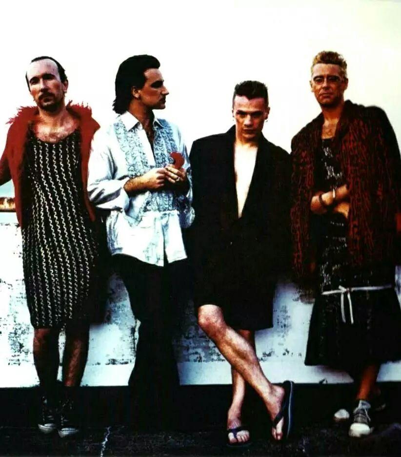 U2 #u2NewsActualite #u2NewsActualitePinterest #u2 #bono #PaulHewson #TheEdge #LarryMullen #AdamClayton #music #rock #LarryMullenJr #DaveEvans #DavidEvans http://u2yness.tumblr.com/post/92110700905