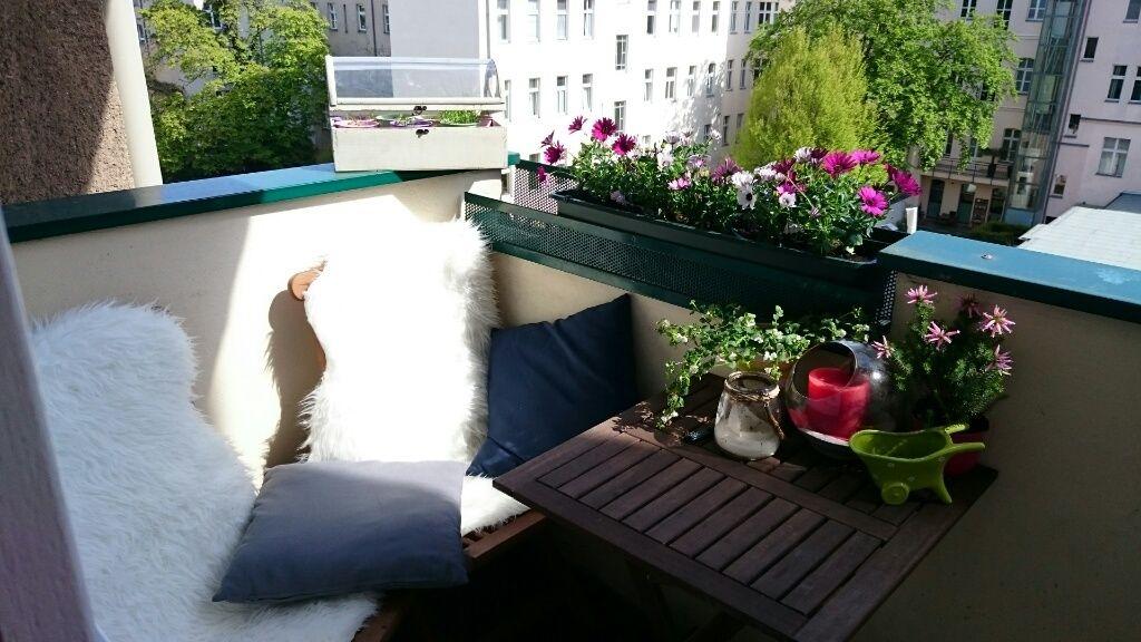 Sonniger Gemutlicher Balkon In Berlin Charlottenburg Balkon Berlin Wohnung 1 Raum Wohnung Wohnung Gemutlich