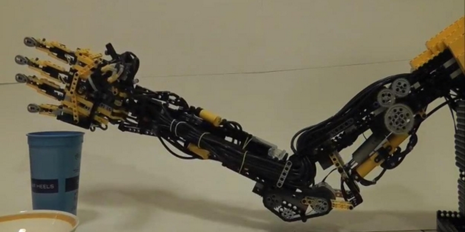 The Lego Robotic Arm   Arms