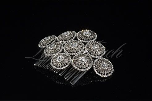 Stunning Art Deco Gatsby inspired bridal hair comb featuring intricate circular pattern of Austrian rhinestones. Rhodium plated. #bridalheadpiece #lushtouch  www.lushtouch.com.au