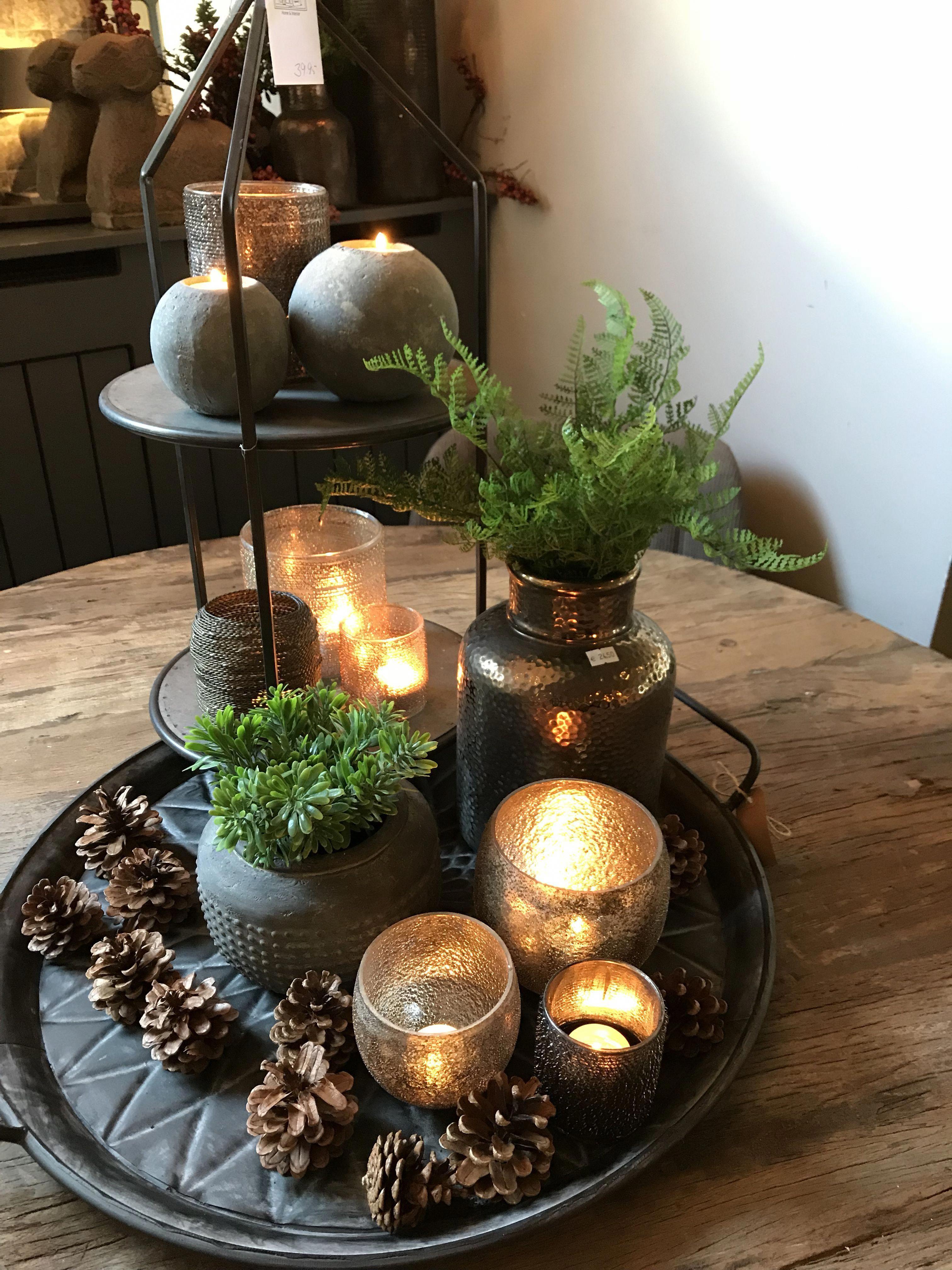 Iets Leuk Op Tafel Wij Helpen U Graag Decoratie Table Decor Living Room Dining Table Centerpiece Candle Decor
