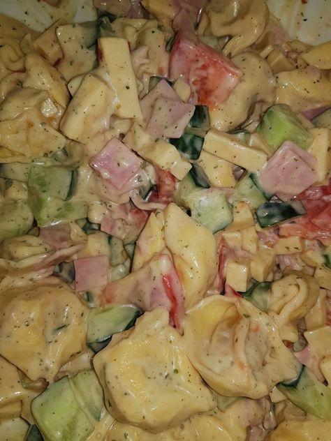 Tortellini - Salat mit Joghurt - Creme von angelika2603 | Chefkoch #melonrecipes