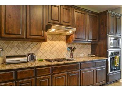 this with white penny or subway tile backsplash and painted grey