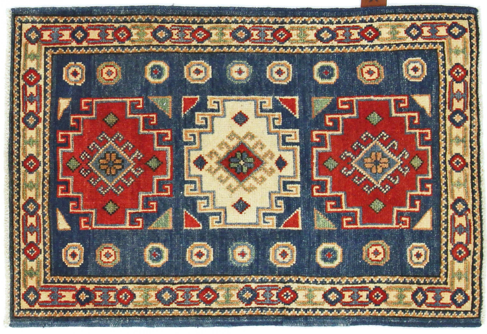 Kazak 94x69 In 2020 Teppich Orientteppich Teppich Knupfen