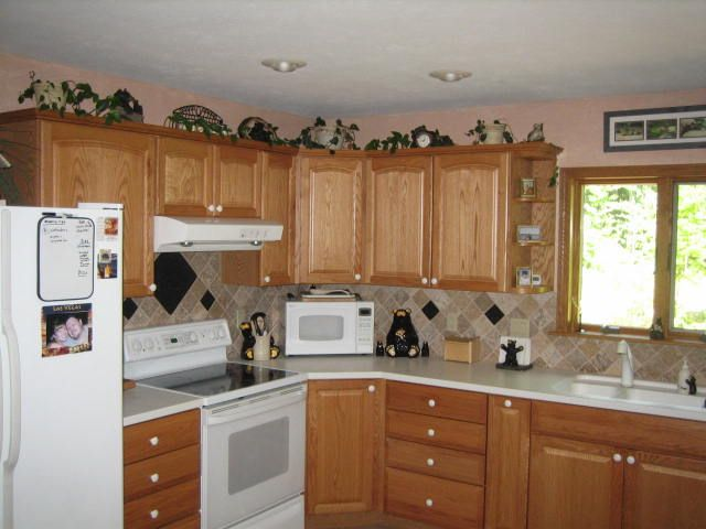 Kitchen Backsplash With Oak Cabinets kitchen : awesome oak kitchen cabinets with granite countertops