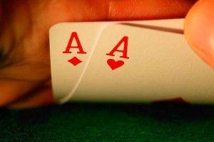gioca a poker con bitcoin