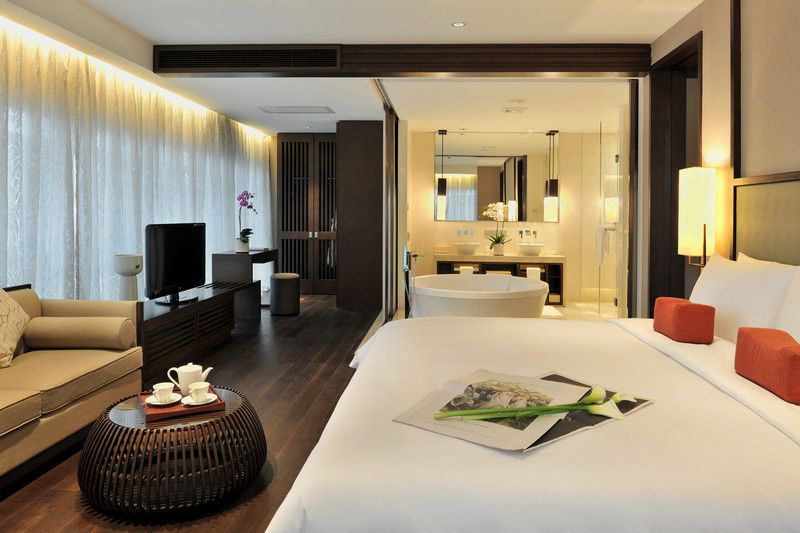 Jumeirah Himalayas Hotel - Club Grand Deluxe Suite
