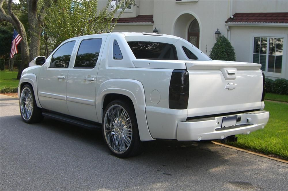 2007 chevrolet avalanche my truck has the exact body side. Black Bedroom Furniture Sets. Home Design Ideas