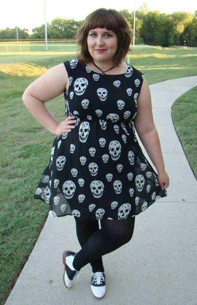 molix:    Check out my new chiffon skull dress!
