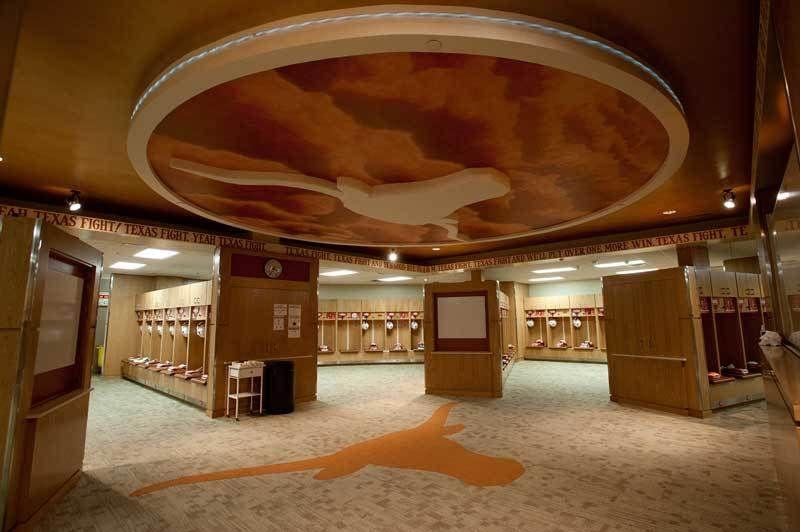 Texas Longhorns Football Locker Room Tour