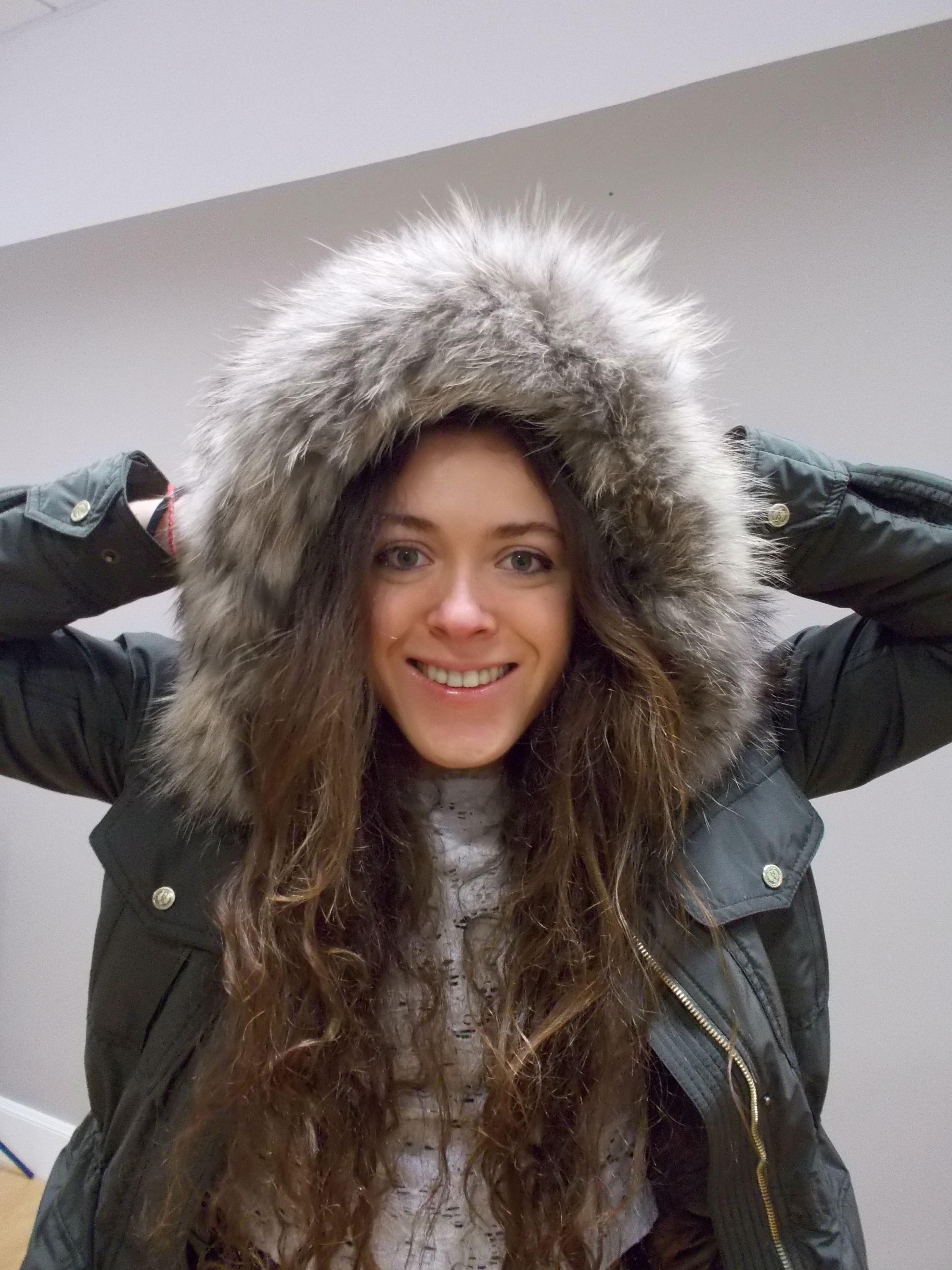 aadf04c2de5 Beautiful girl with fur hooded winter padded coat from Henry Arroway/ Chica  guapa española con abrigo de guata y capucha de piel de Henry Arroway  España/ ...