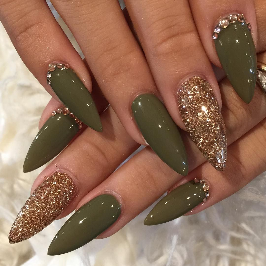 Olive And Gold Stiletto Nails Gold Stiletto Nails Cute Acrylic Nails Pointed Nails