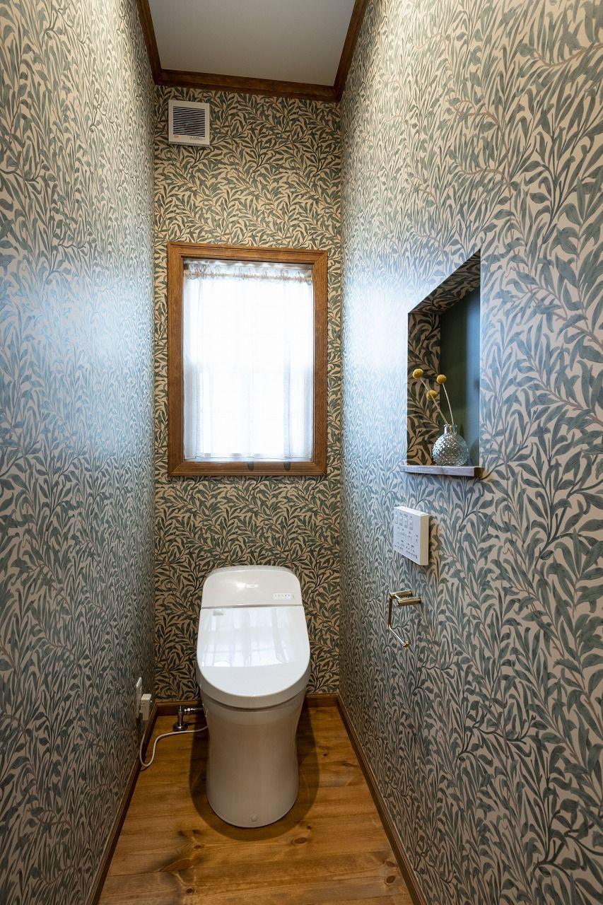 個性的なクロスのトイレ ブルースホーム小倉 2020 輸入住宅 家