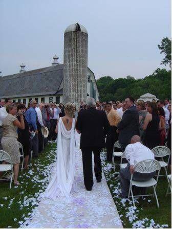 Rustic Barn Wedding Ceremony At Perona Farms Nj Wedding Venues Barn Wedding Barnyard Wedding