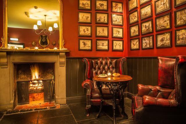 London S Top 10 Coziest Pubs Pub Decor Pub Interior Pub Table Sets