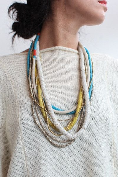 butik glass snake bead necklace