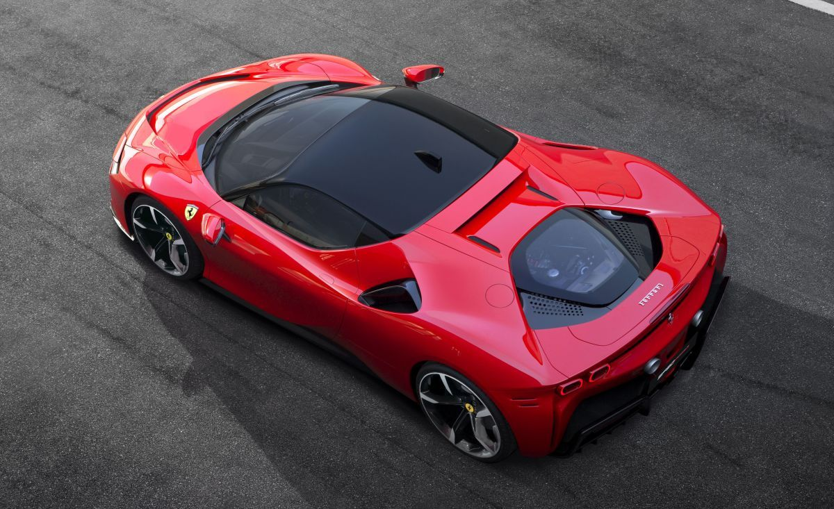 Ferrari S First Hybrid Supercar Has Nearly 1 000 Horsepower Super Cars Hybrid Car New Ferrari