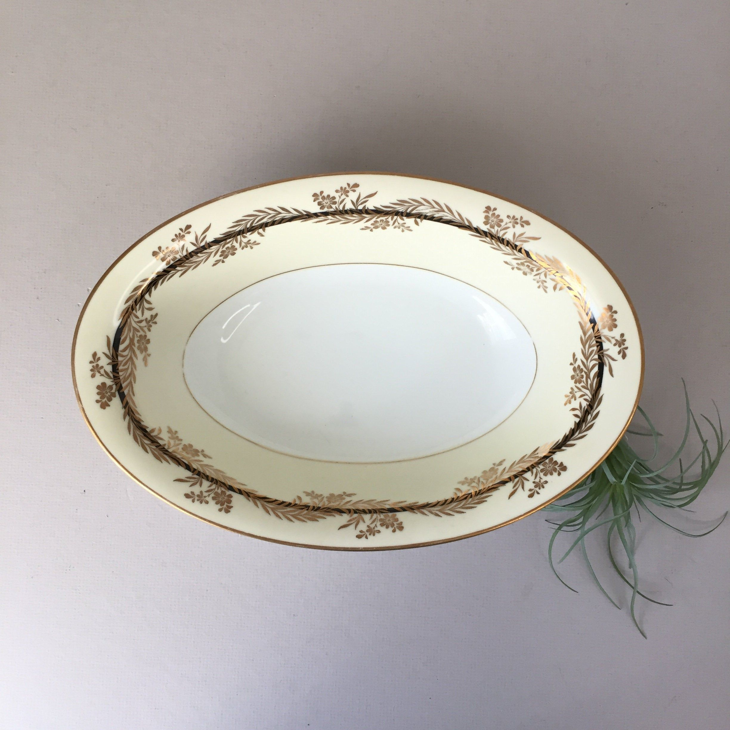 Do you know the maker or pattern name? Made in Japan... Vintage Round Vegetable Bowl with Lid