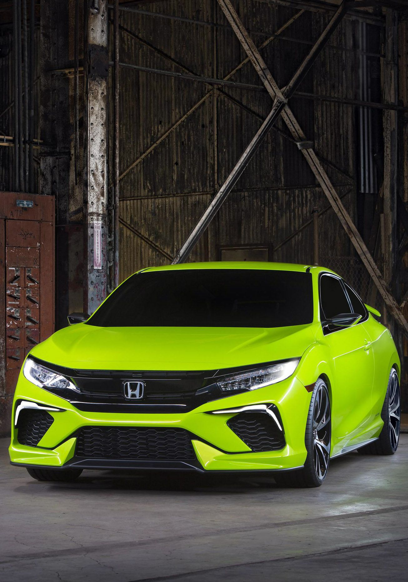 2017 Honda Civic Hatchback Rear Window Tint