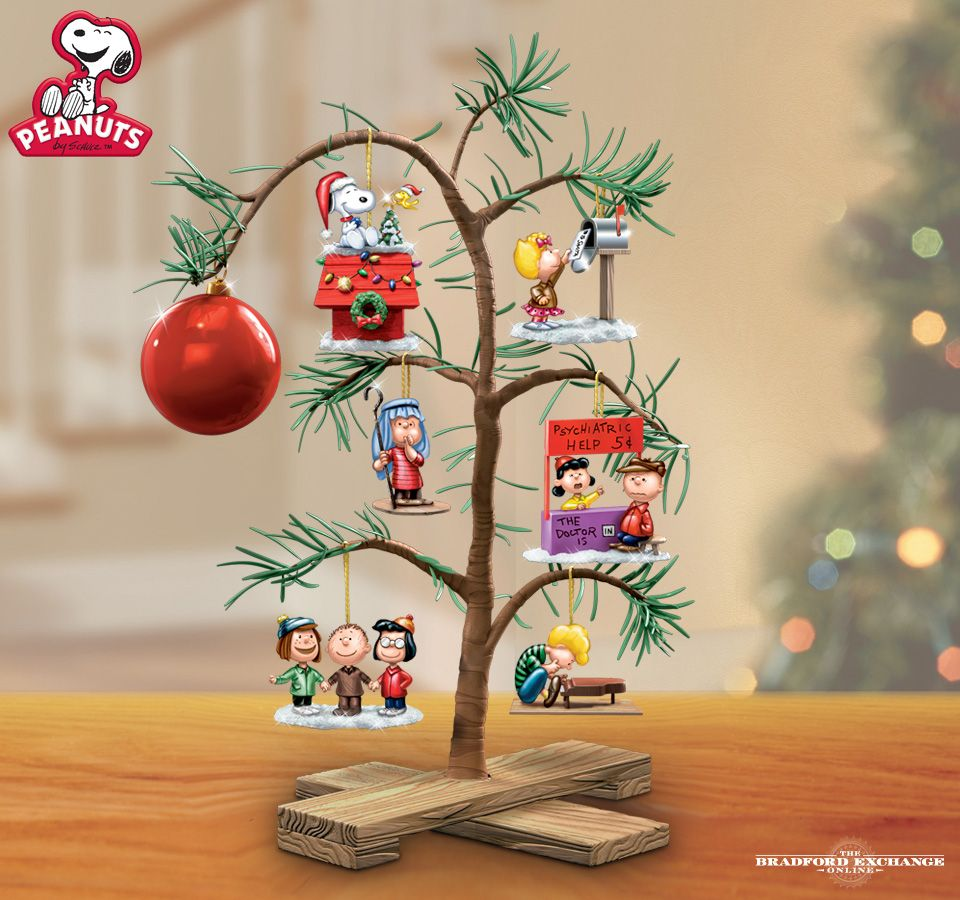 Peanut Christmas Tree: PEANUTS Classic Holiday Memories Tabletop Tree