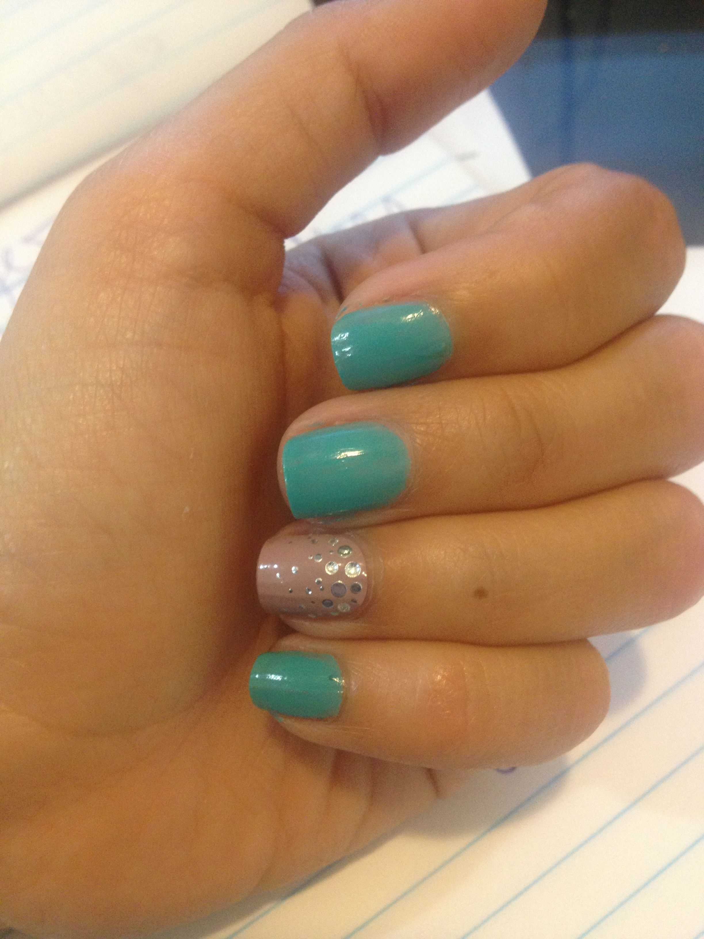 Accent nail. Aqua loreal polish and Essie grey stick on gel strips ...