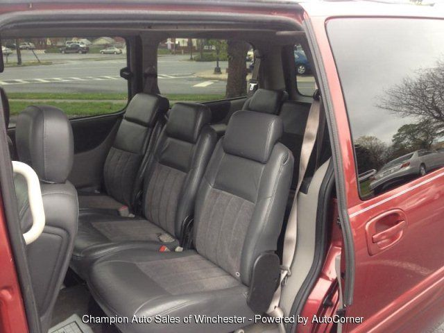 4 495 540 662 1515 2003 Chevrolet Venture Warner Bros