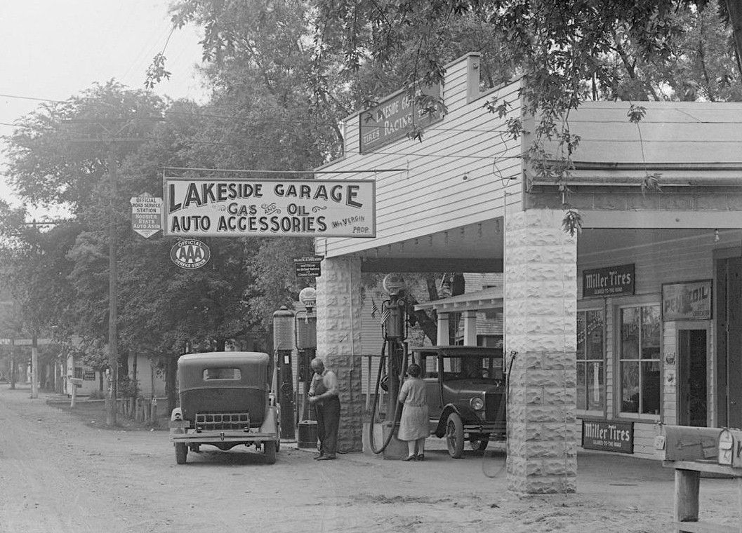Old Gas Stations In Northern California: Lakeside Garage, Bass Lake, IN (Station Close Up)