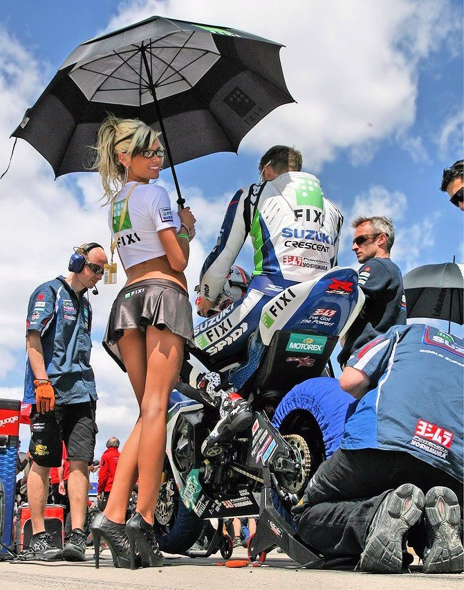 Bike naked on grid girls, black cumfarts