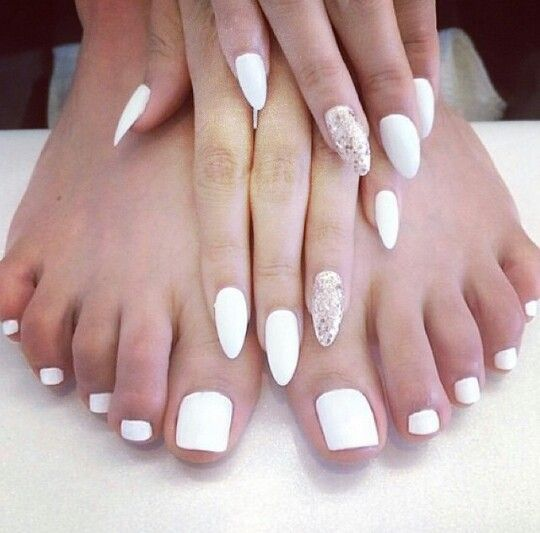 White Almond Shaped Matching Nails Nails In 2018 Pinterest